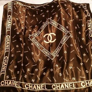 Accessories - Chic LARGE silk scarf in rich brown & golden logos